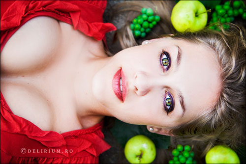 Colorful And Vibrant Photography Of Women - 32 Photos 1